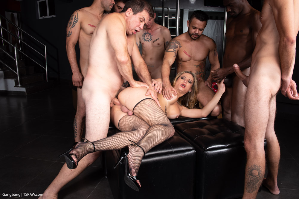 Preview TS Raw - Luana Pacheco's 8 Man Gangbang 4K